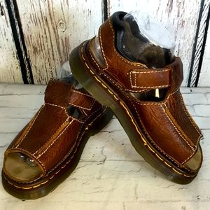 Vintage ENGLAND Dr. Martens 9064 Fisherman Brown Sandals EUC Size 6 LIKE NEW